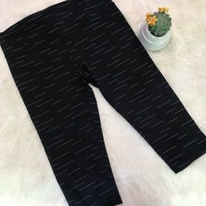 {Lucy} Black & White Cropped Leggings